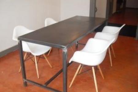 Table Ghelis en fer créé pour une maison à Avignon (84)