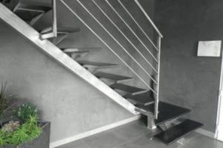 Escalier métallique de style sur mesure à Sauveterre - Avignon (84)