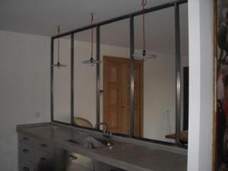Fabrication de cloison menuiserie acier verrière atelier moderne à Montpellier (34)