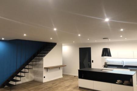 Création & fabrication d'un escalier métallique suspendu - Montpellier (34)