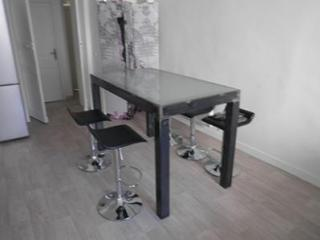 Création de table à manger sur-mesure en acier style industriel à Montpellier (34)