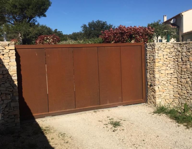 Quel portail choisir pour l'entrée de ma maison ? Les conseils d'Art Monia, artisan ferronnier créateur