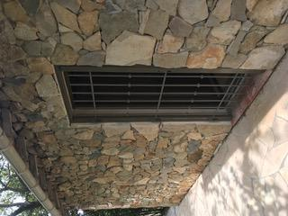 Fabrication sur mesure de grille ouvrante pour porte fenêtre dans l'Hérault