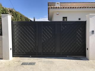 Création d'un portail en fer coulissant dans l'Hérault à Bouzygues (34)