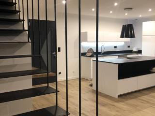 Ferronnerie escalier sur-mesure marches suspendues - Montpellier (34)