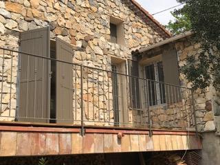 Rampe en fer forgé créée sur mesure par Art Monia pour une maison de l'Hérault
