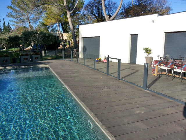 Barri re de s curit piscine gard for Securite piscine