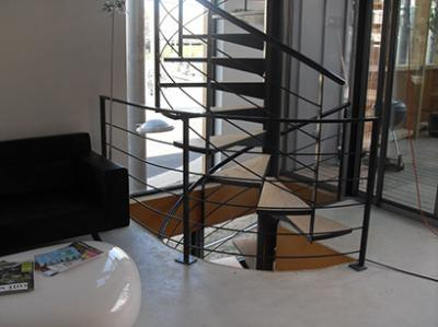 escalier colima on sur 2 niveaux vente escaliers fer forg montpellier 34. Black Bedroom Furniture Sets. Home Design Ideas