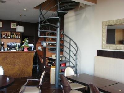 Escalier en fer colima on marche metallique fabrication pose escalier en fe - Escalier en colimacon metallique ...