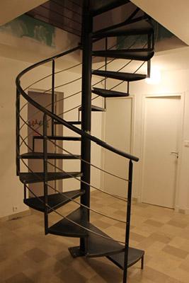 escalier m tallique colima on vente escaliers metallique n mes 30. Black Bedroom Furniture Sets. Home Design Ideas