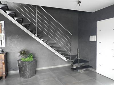 escalier m tallique de style sur mesure nimes avignon. Black Bedroom Furniture Sets. Home Design Ideas
