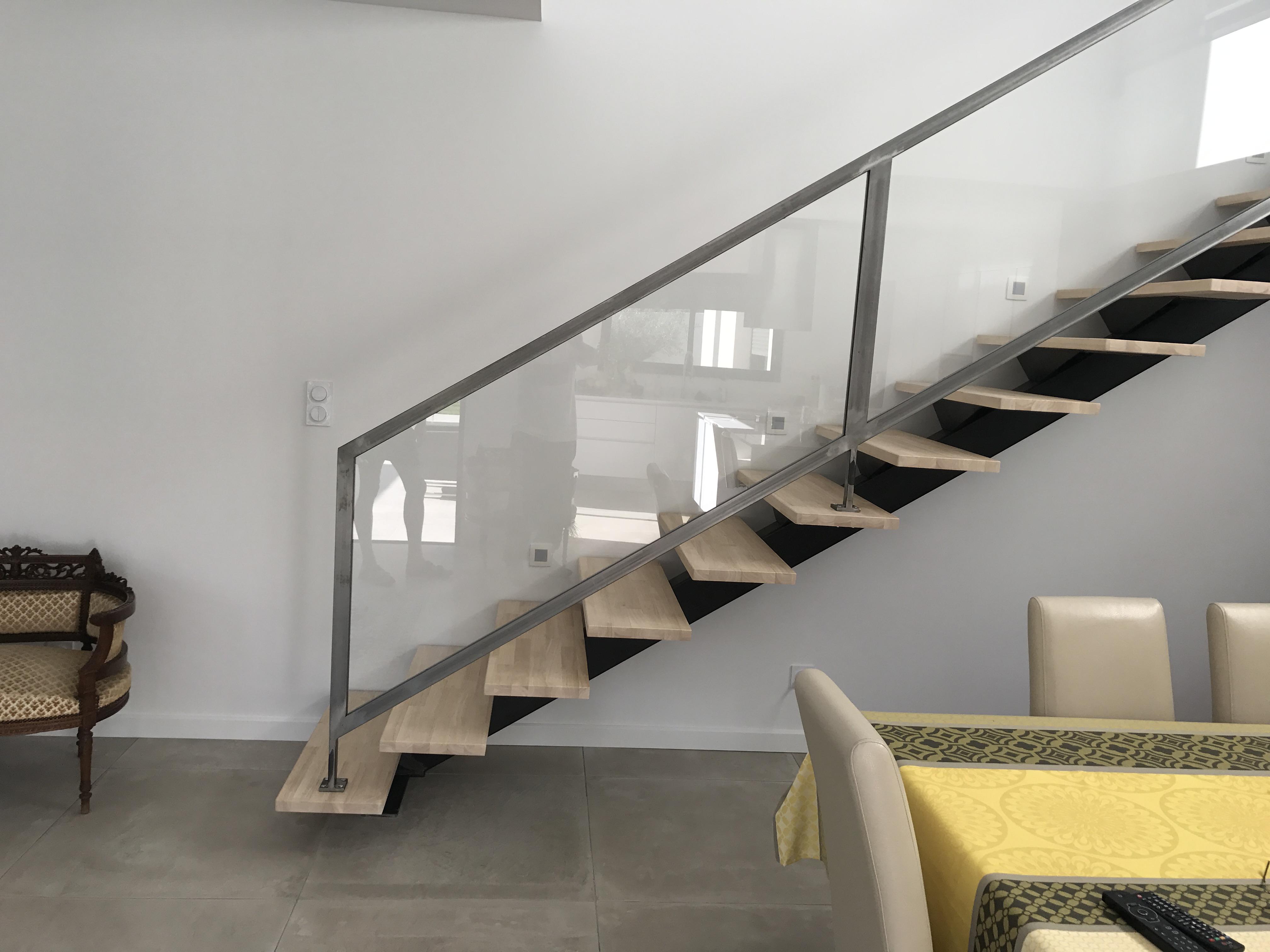 escalier m tallique droit bouzygues dans l 39 h rault 34. Black Bedroom Furniture Sets. Home Design Ideas