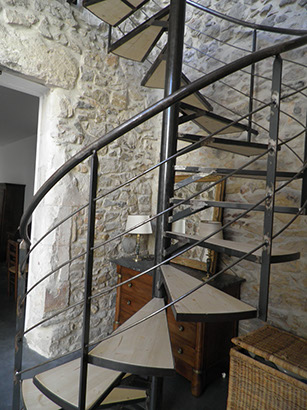 escalier metallique en colima on vente escaliers sur mesure n mes 30. Black Bedroom Furniture Sets. Home Design Ideas