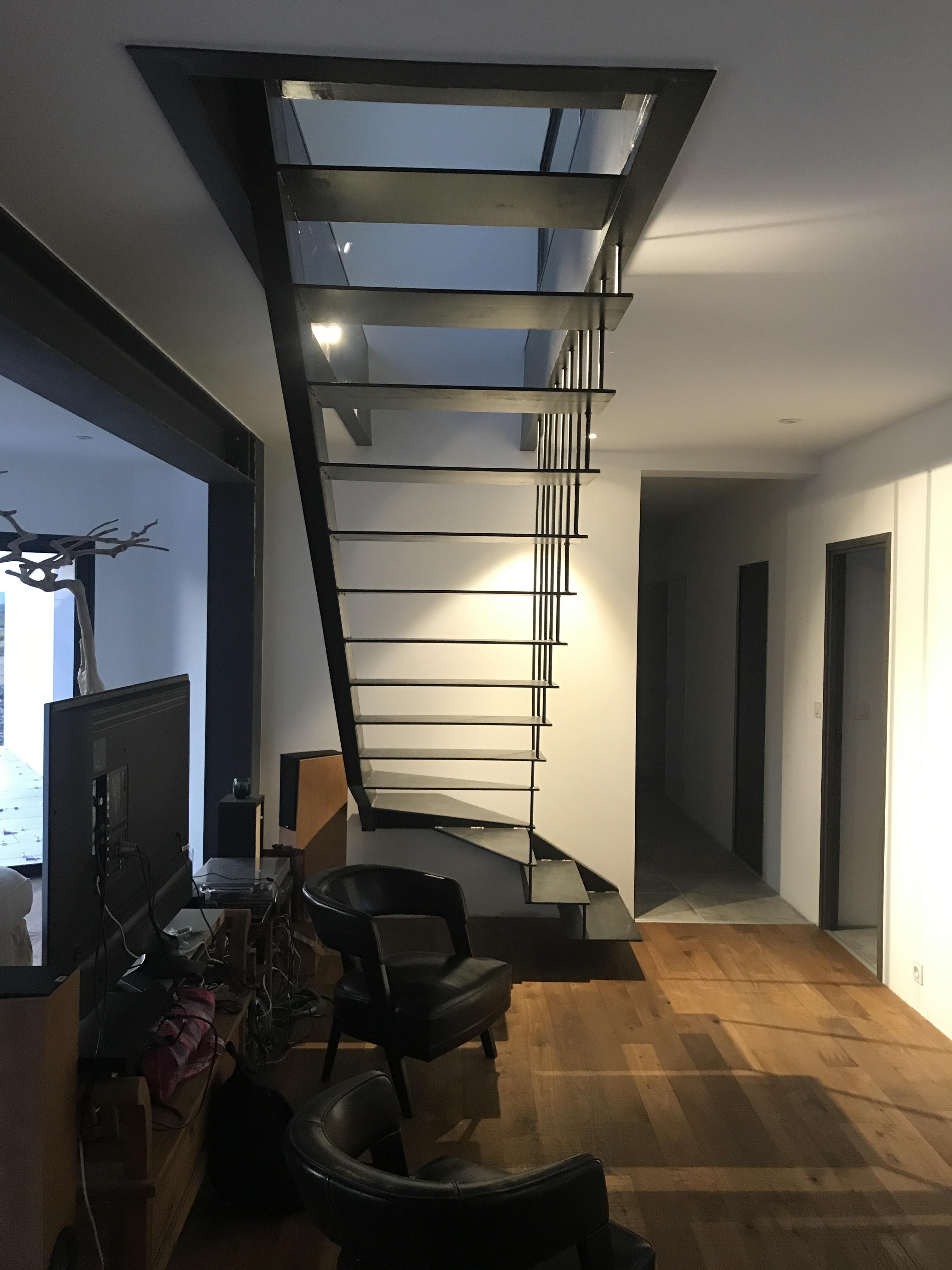 Escalier m tallique int rieur quart tournant dans le gard - Escalier interieur quart tournant ...