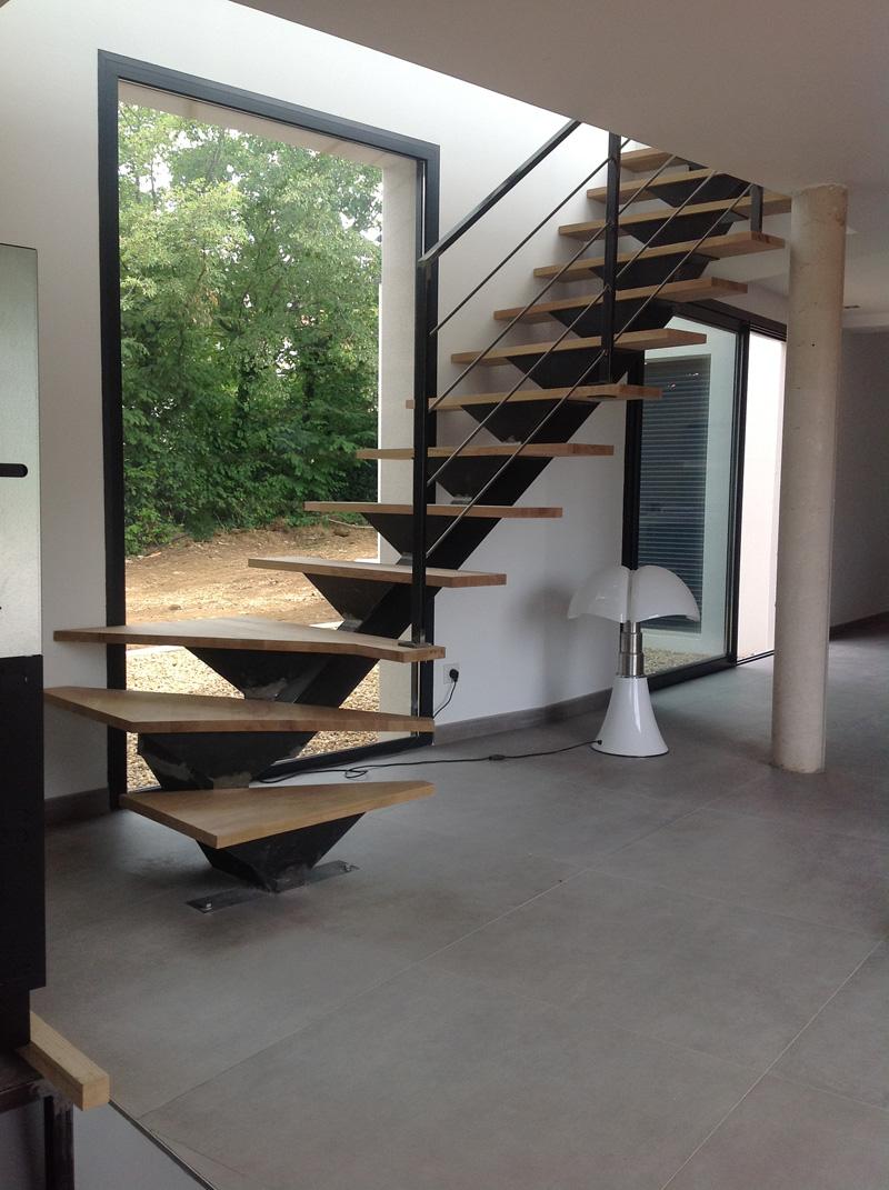 escalier metal bois quart tournant uv36 humatraffin. Black Bedroom Furniture Sets. Home Design Ideas