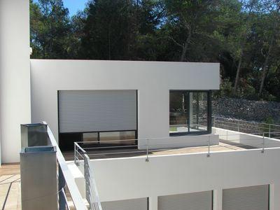 fabricant rampe contemporaine nimes. Black Bedroom Furniture Sets. Home Design Ideas