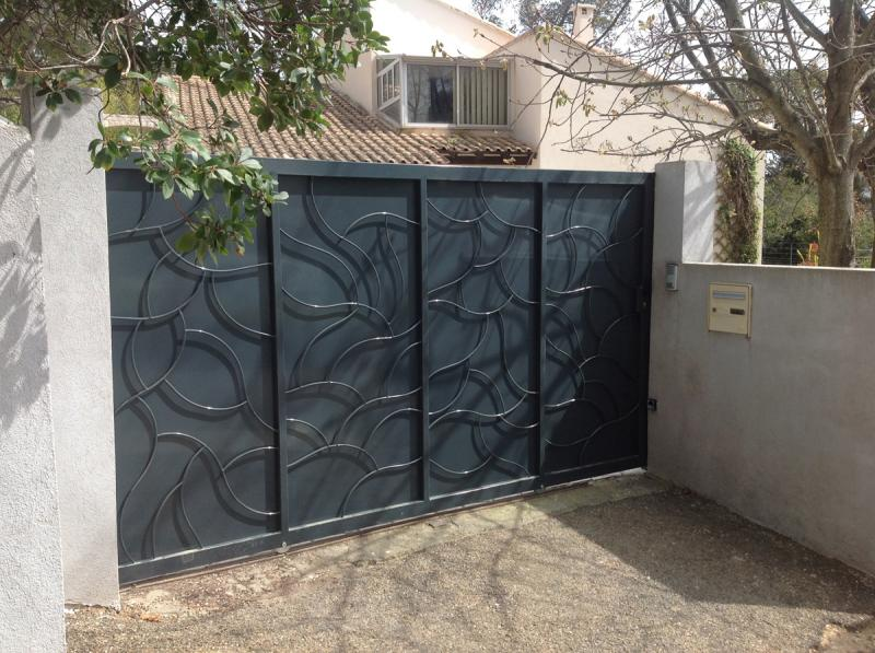 Fabrication Portail Coulissant A Nimes Vente Portails Fer Forge