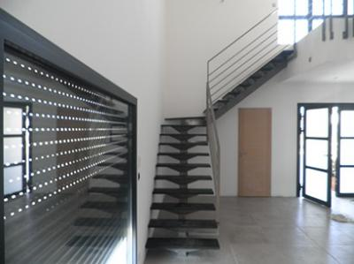 grand escalier quart tournant vente escaliers sur mesure montpellier 34. Black Bedroom Furniture Sets. Home Design Ideas