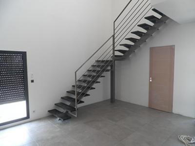 grand escalier quart tournant fabrication grand escalier quart tournant. Black Bedroom Furniture Sets. Home Design Ideas