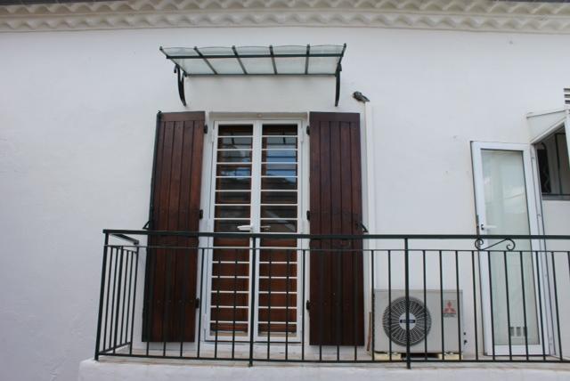 grille de d fense en fer fabrication grille de d fense en fer. Black Bedroom Furniture Sets. Home Design Ideas