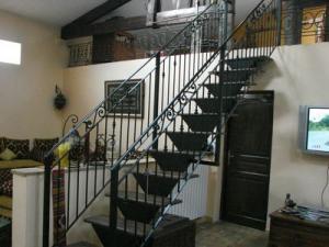 escalier en fer forg fabrication escalier en fer forg n mes 30 montpellier 34. Black Bedroom Furniture Sets. Home Design Ideas