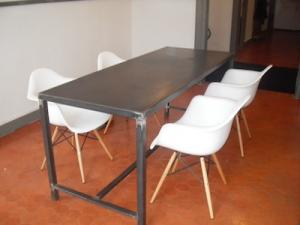 table ghelis vente meubles fer forg avignon 84. Black Bedroom Furniture Sets. Home Design Ideas