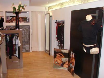 mobilier fer forg nimes. Black Bedroom Furniture Sets. Home Design Ideas