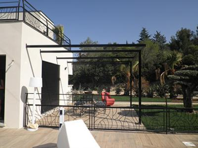 pergola contemporaine avec b che vente pergolas fer forg n mes 30. Black Bedroom Furniture Sets. Home Design Ideas