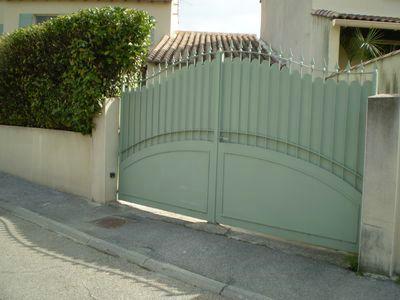 pose et fabrication de portail tol sur le gard et l 39 herault. Black Bedroom Furniture Sets. Home Design Ideas