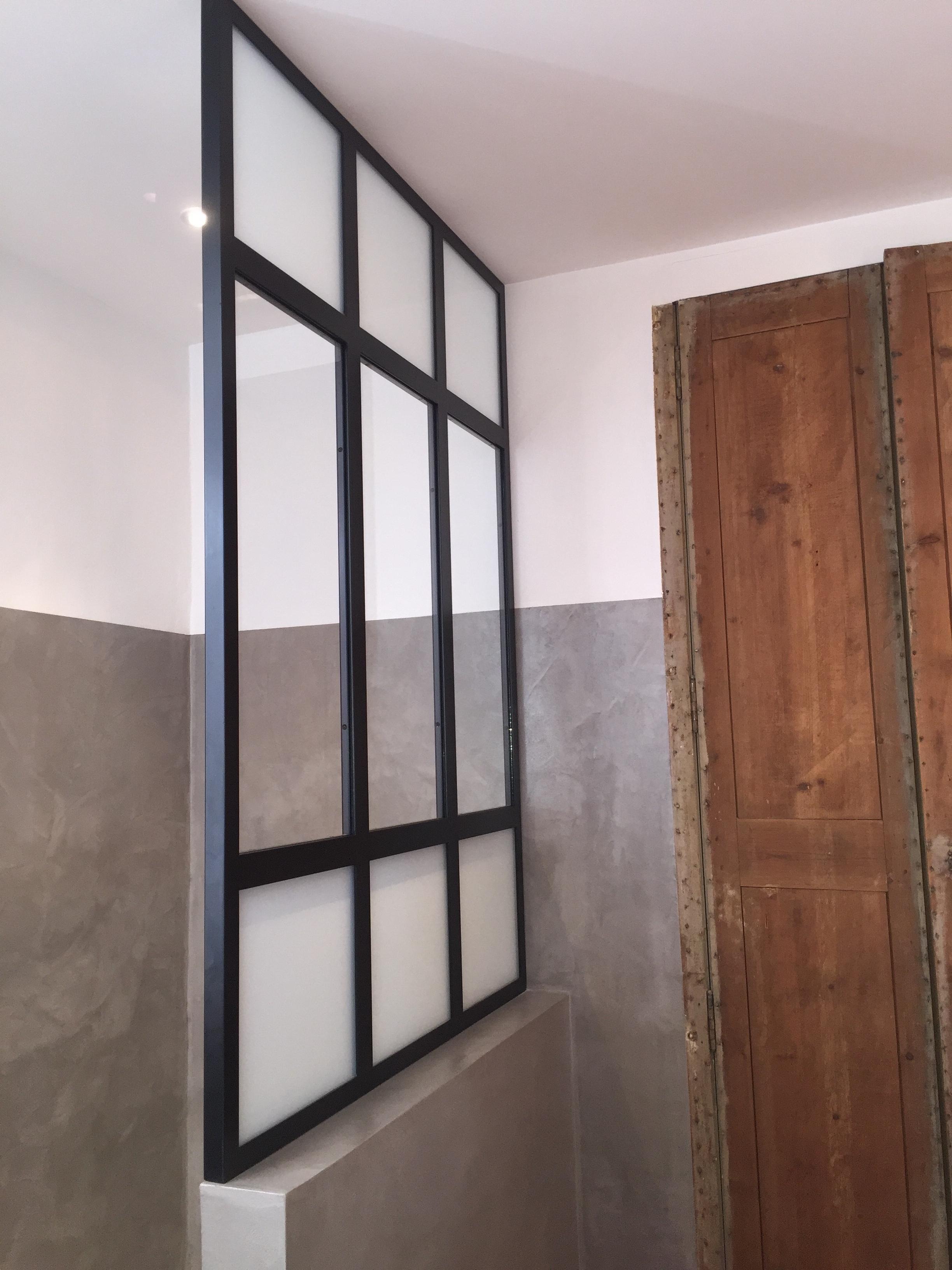 verri re salle de bain nimes vente verri re sur mesure. Black Bedroom Furniture Sets. Home Design Ideas